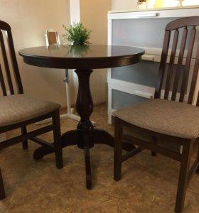 Стол и два стула из массива дерева