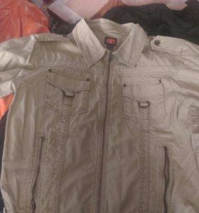 Легкая мужская куртка