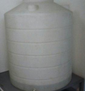 Емкости 1000 и 1500 литров