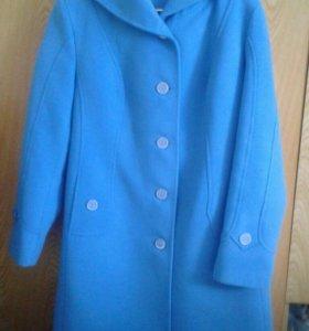 Продам весенне пальто