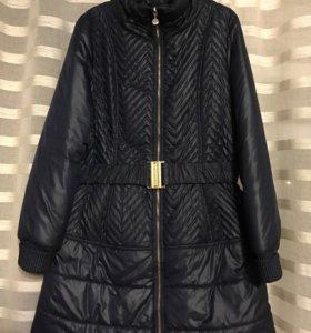 Пуховик-пальто, платье Guess by Marciano