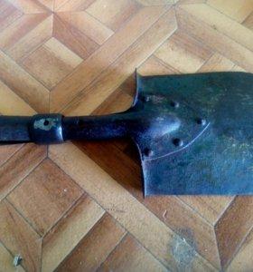 Лезвие саперной лопаты