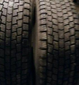Комплект зимних шин на Мурано 235-65-18. Новая.