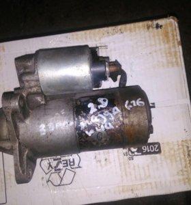 Стартер на Mazda 626 двигатель 2.0