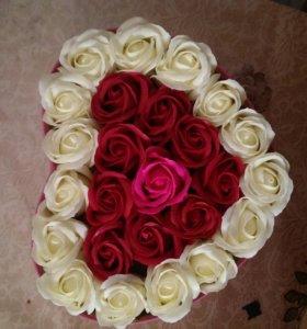 Мыльные розы в коробке. Подарочная коробка.