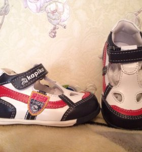 Продам туфли новые Капика