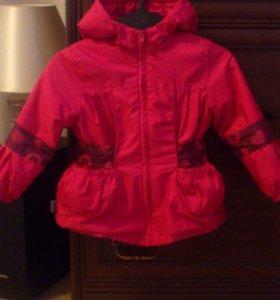 Курточка на 2-3 годика на холодное лето.