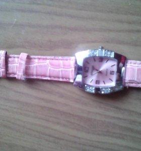 Часы. Новые.