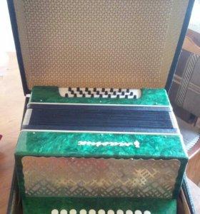 Гармоньмаричка-2,с чемоданом.в идеальном состоянии