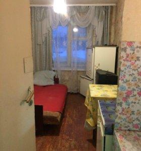 Комната 9 кв м. В корпусе 5 комнат