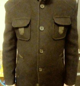 Пальто мужское в отличном состоянии.