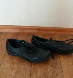 Туфли на мальчика. 34 размер