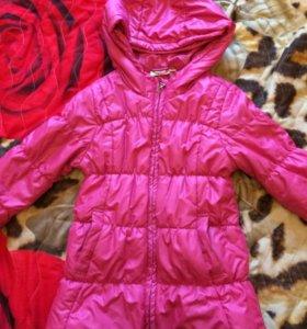 Куртка тёплая на 4-5 лет б/у