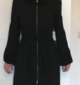 Демисезонное пальто Zara xs чёрное