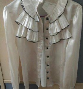 Белая атласная фирменная рубашка