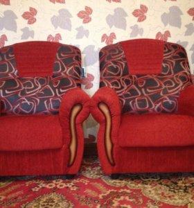 Диван с креслами совместно