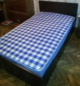 Новая крепкая кровать с матрасом 90х200
