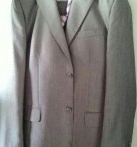 Костюм ( рубашка с галстуком в подарок)