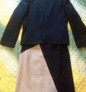 Драповый костюм (пиджак и юбка)