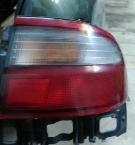 Фонарь задний правый Toyota Carina E