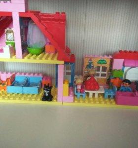 """Лего  Дупло """"Кукольный  домик"""""""