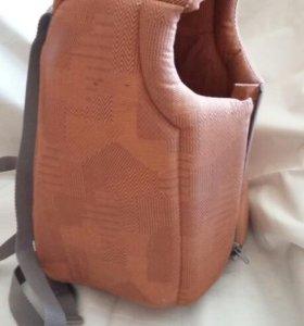 Сумка рюкзак для переноски животных.