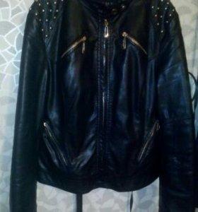 Кожаная куртка.женская