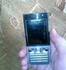 Телефон SoniEricssonТ 700