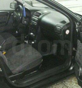 Opel Astra 2000 год