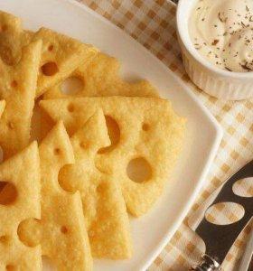 Ароматные сырные крекеры