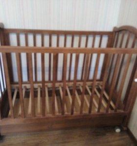 Кровать на колесах опорах-качалка