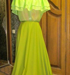Блуза цвета нежной зелени