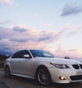 Аренда автомобиля и свадебных украшений