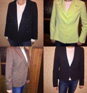 Продам 4 пиджака вместе