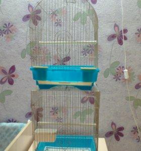 Клетки для маленьких птиц.