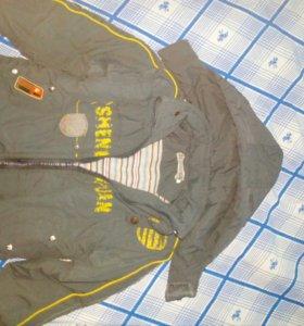 Куртка весна-осень на мальчика 2-4х лет.