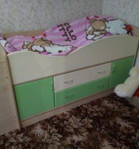 Подрастковая кроватка .