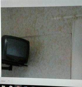 Телевизор подвесной