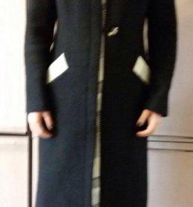 Пальто шерстяное .
