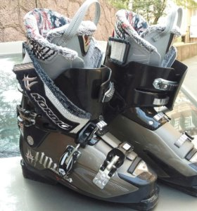 Горнолыжные ботинки, размер 270/275
