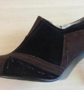 Осенние туфли р. 39 новые