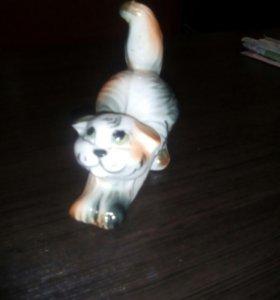 Статуэтка кошки
