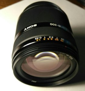 Sony SAL18200 (DT 18-200 mm F3.5-6.3) объектив