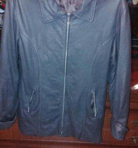 Кожаная куртка на весну 42-44 р-р