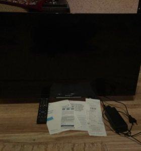 Продаю Sony Smart TV 32 дюйма матрица ударена