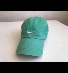 Новая кепка Nike