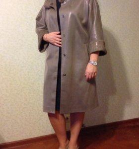 Лёгкое демисезонное пальто