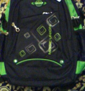 Портфель-рюкзак(школьный)