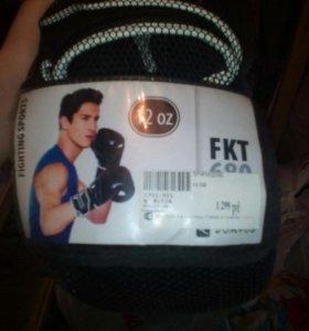 Боксерские перчатки 12унц