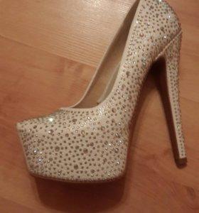 Свадебные туфли,белые туфли